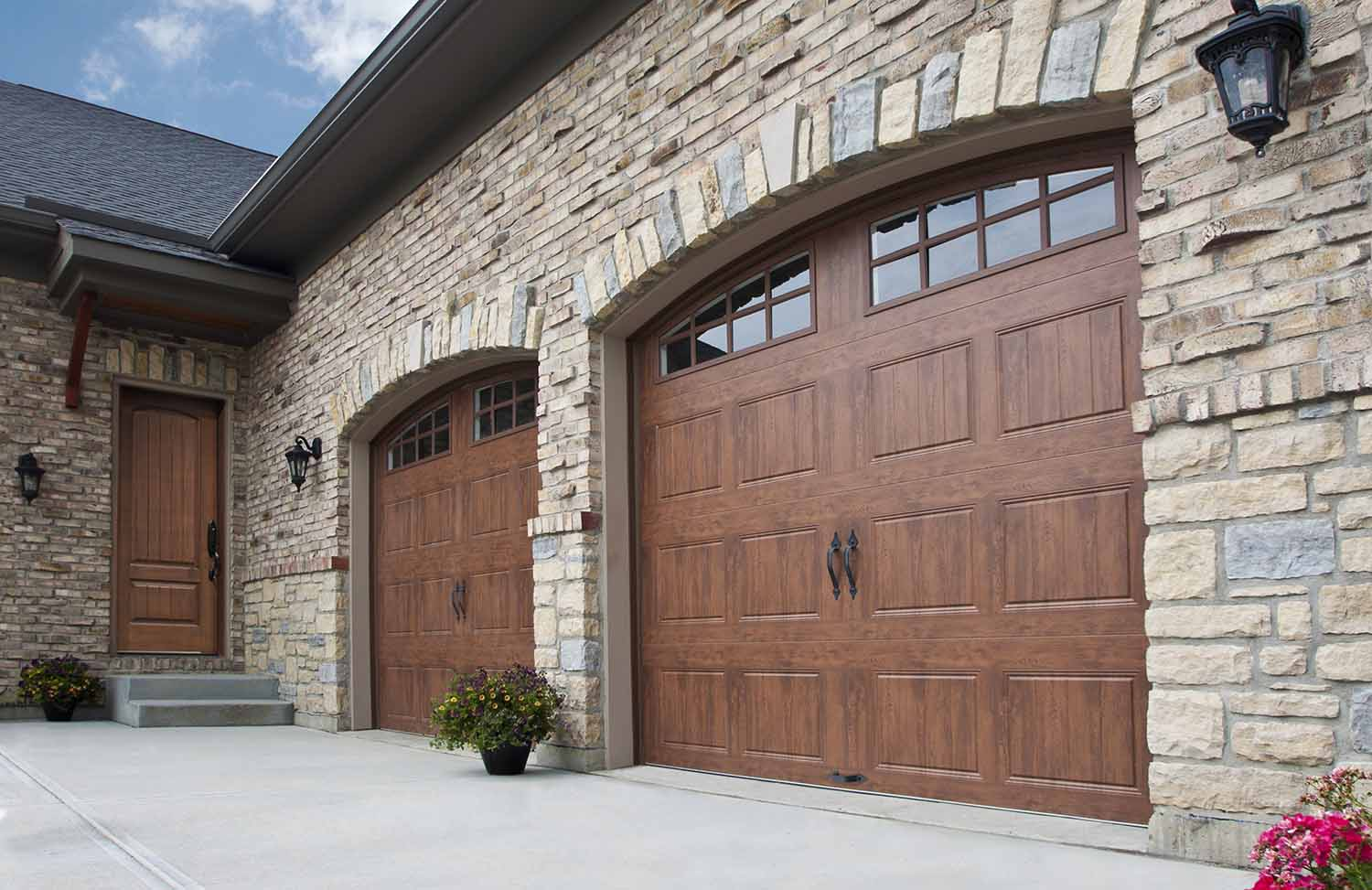 Clopay gd5 short v groove d and d garage doors for Clopay wood garage doors