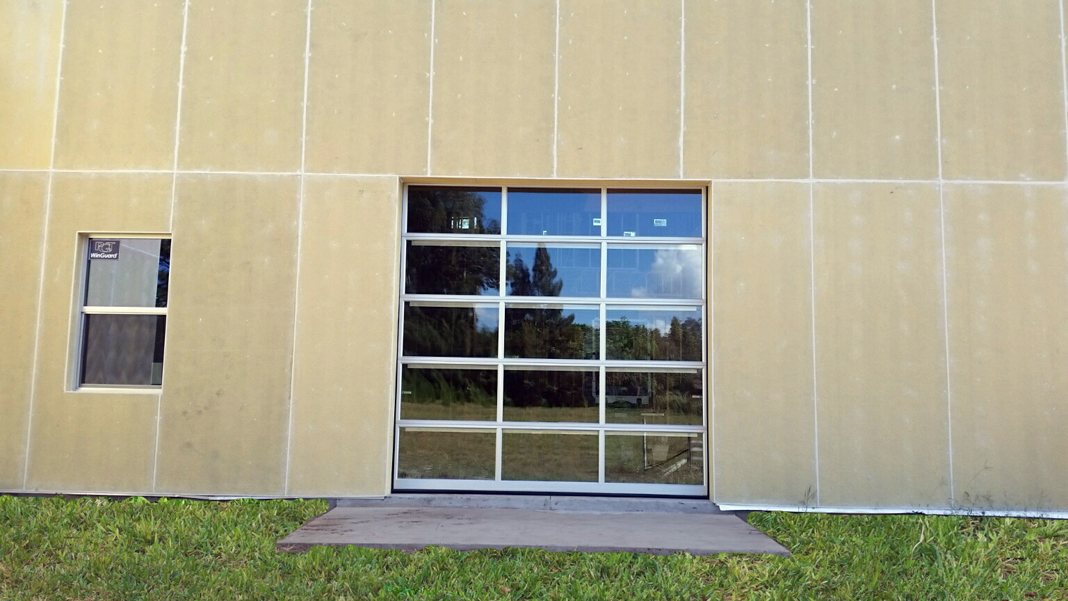 Clopay 902 903 D And D Garage Doors