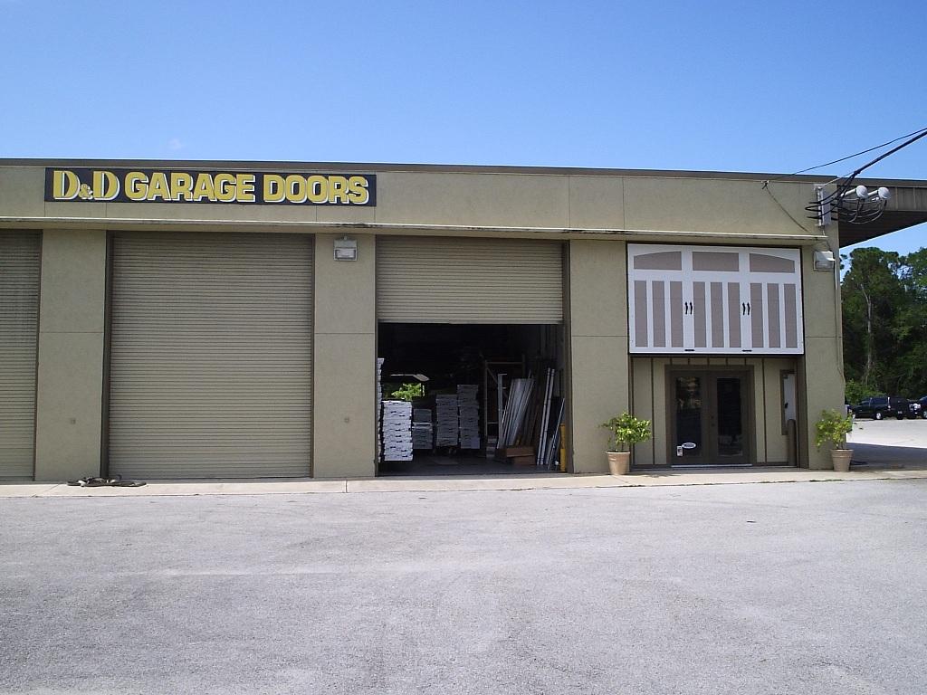Residential garage door installers d d garage doors for Garage door repair port charlotte fl